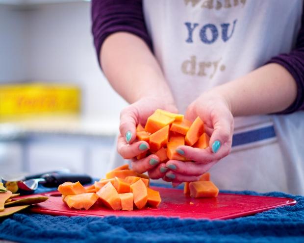 fastest way to cut papaya