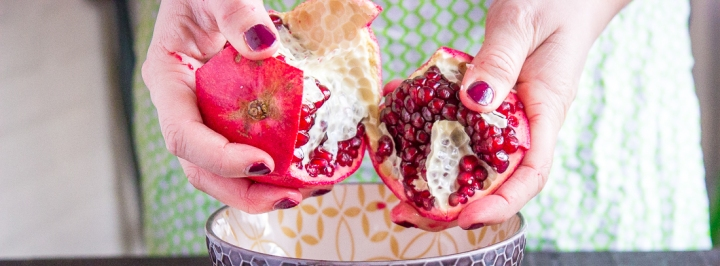 Pomegranate Cutting Tutorial (Video)