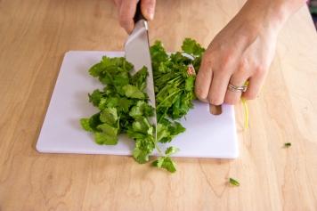 cilantro chopping-7228