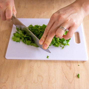cilantro chopping-7242
