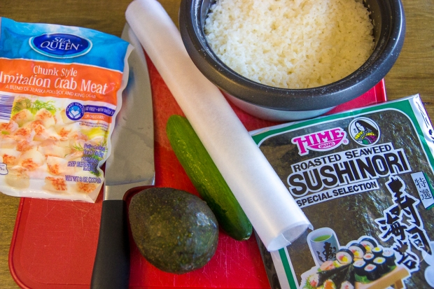 how to make sushi without a bamboo roller-7647