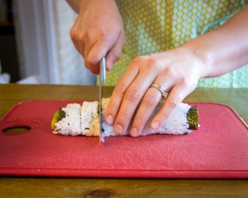 how to make sushi without a bamboo roller-7680