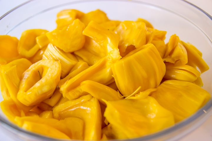 I Tried Jackfruit and Here's What I Learned (VIDEO)